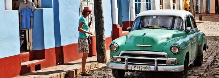 Oldtimer in Trinidads Straßen / © Ingo Bartussek - stock.adobe.com