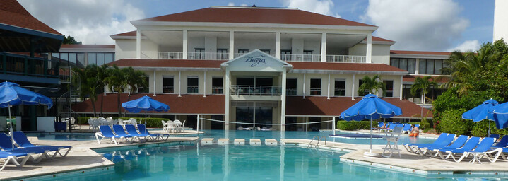 Breezes Resort Bahamas - Pool & Resort