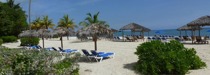 Strand am Breezes Resort auf den Bahamas