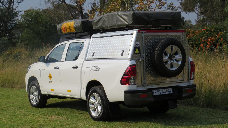 Bushlore Toyota Hilux 4x4 Safari Camper von außen