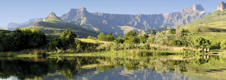 See mit Blick auf Drakensberge