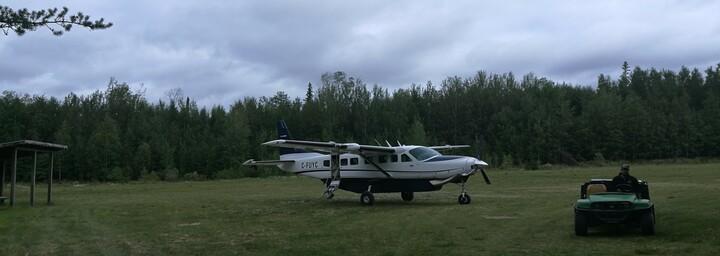 Miminiska Lodge - Kleinflugzeug