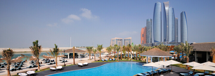 Pool im InterContinental Abu Dhabi