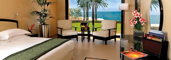 Zimmerbeispiel des The Cove Rotana Resort