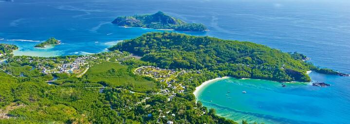 Blick auf die Küste im Nordwesten Mahés
