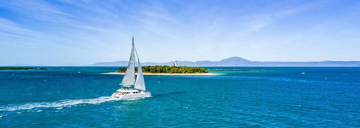 Segelschiff vor der Küste Queenslands