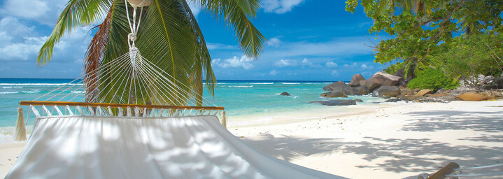 Hilton Seychelles Labriz Resort & Spa Insel Silhouette Strand