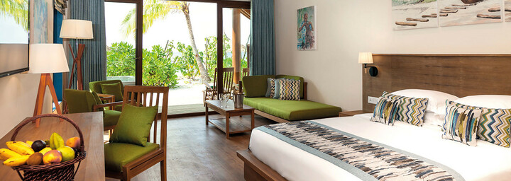 Reethi Faru Resort Beispiel Deluxe Jacuzzi Beach Villa