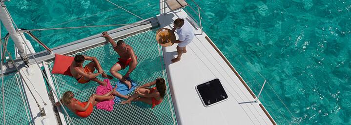 Relaxen über dem Wasser auf der Lagoon 620