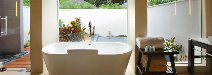 Hilton Seychelles Labriz Resort & Spa - Badezimmer mit freistehender Badewanne