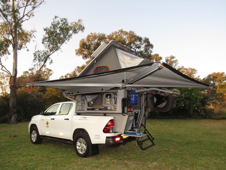 Bushlore Toyota Hilux Bushcamper mit Zelt