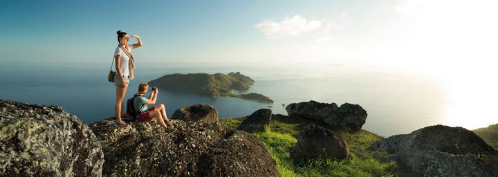 Fiji - Paar auf Berg