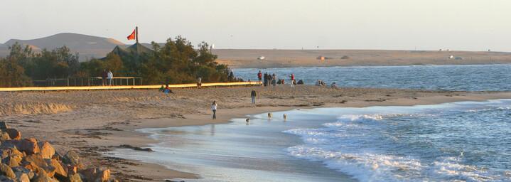 Küste und Sandstrand in Swakopmund, Namibia