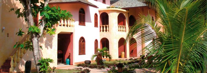 Castello Beach Hotel außen