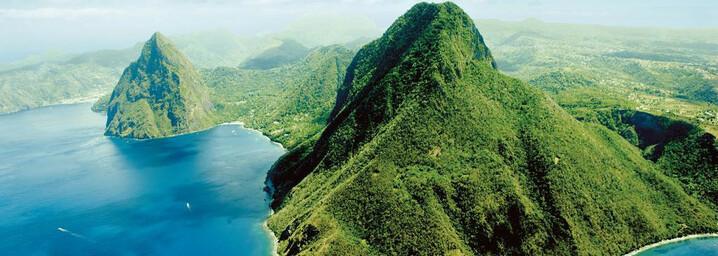 Pitons Vulkankegel an der Südwestküste St. Lucias