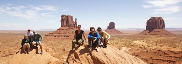 Wandergruppe im Monument Valley