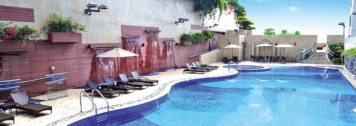 Pool Harbour Plaza 8 Degrees