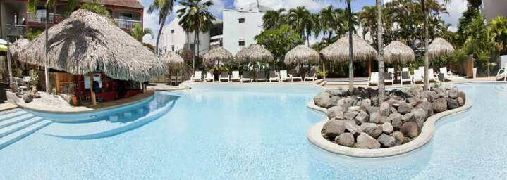 Poolbereich des Le Pagerie auf Martinique