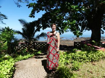 Reiseexpertin Daniela im madagassischen Gewand