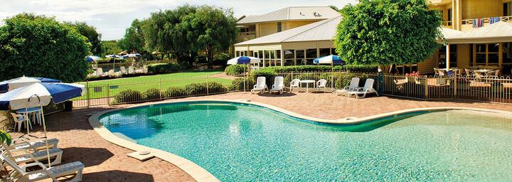Pool des Abbey Beach Resort