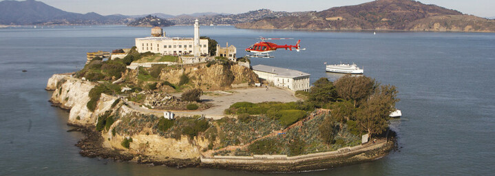 Helikopter über Alcatraz, San Francisco