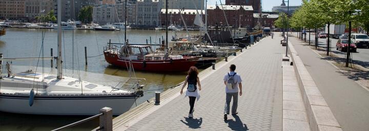 Promenade am Nordufer in Helsinki