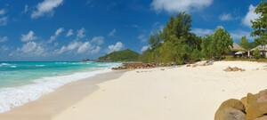 Erholung am weißen Traumstrand auf den Seychellen