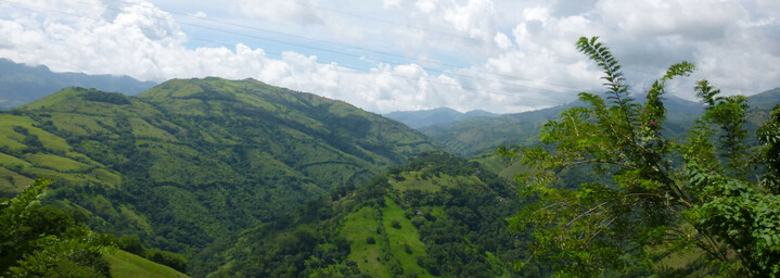 Andenlandschaft zwischen Solento und Medellín in Kolumbien