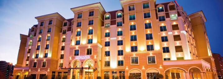 Außenansicht des Avani Deira Dubai Hotel