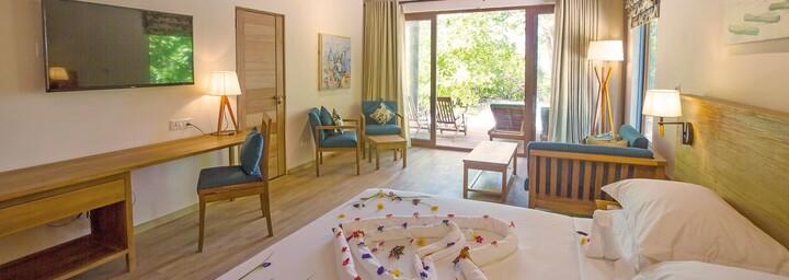 Reethi Faru Resort Beispiel Family Deluxe Beach Villa
