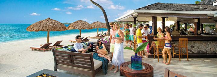 Piano Beach Bar des Sandals Negril Resort & Spa