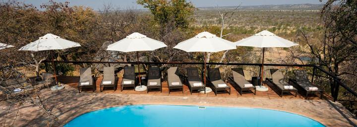 Pool der Ongava Lodge