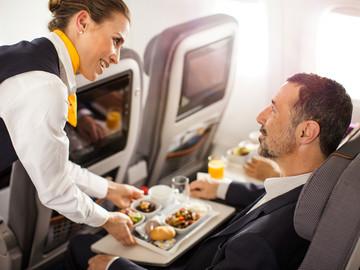 Lufthansa - Service in der Premium Economy Class