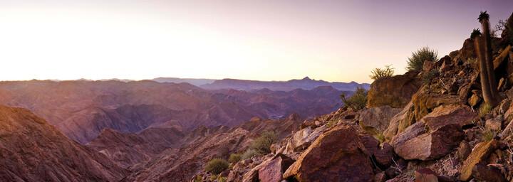 Wüsten- und Gebirgslandschaft in Namibia