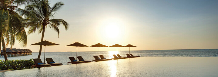 Pool LUX* South Ari Atoll