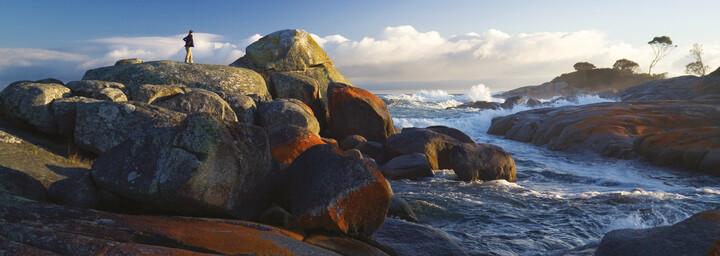 Raue Küste und Granitfelsen in St. Helens