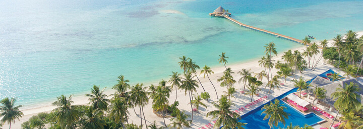 Kandima Maldives Blick auf Pool & Strand