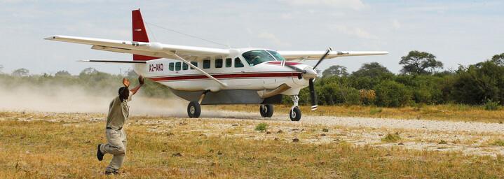 Flugzeug Desert & Delta Safaris