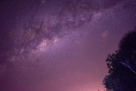 Beeindruckender Sternenhimmel über dem Okavango Delta in Botswana