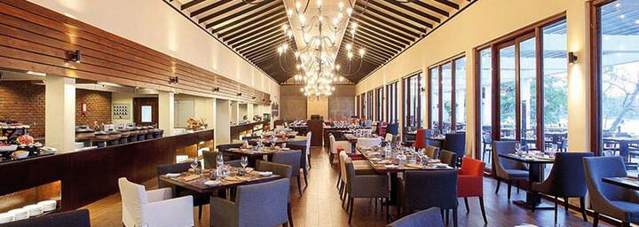 Centara Ceysands Resort & Spa Bentota Café