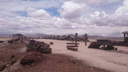 Reisebericht Südamerika  - Cementerio de Trenes in der Salar de Uyuni , Bolivien