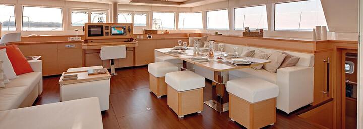 Katamaran Lagoon 620 Innenbereich