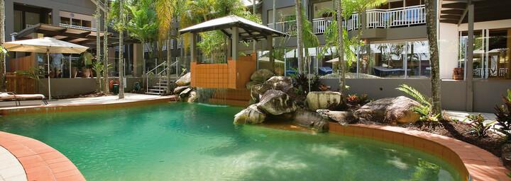 Pool - Paradise on the Beach Resort Palm Cove
