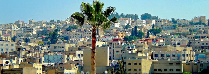Blick auf Häuser in Amman