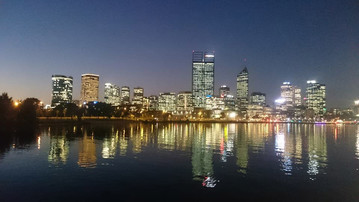 Skyline von Perth bei Nacht