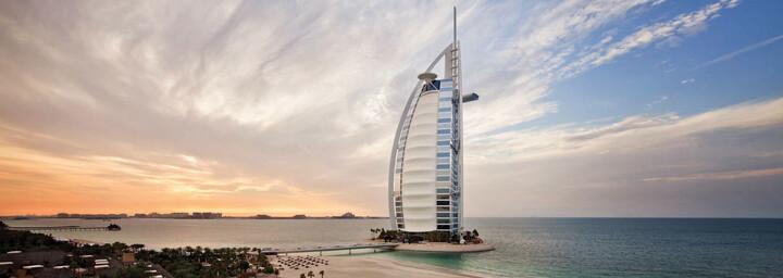 Burj Al Arab bei Sonnenuntergang