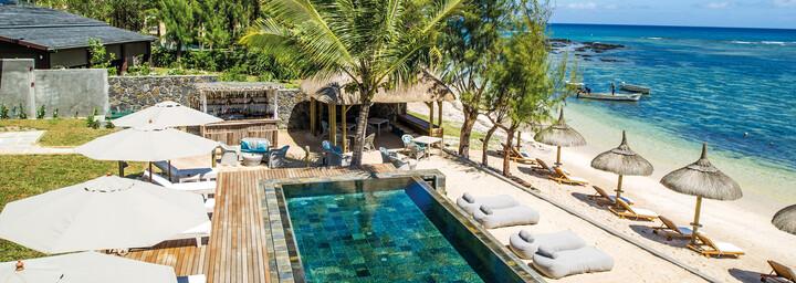 Strand und Pool des Seapoint Boutique Hotels auf Mauritiuss