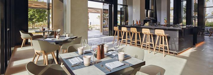Caesars Resort Bluewaters Dubai Restaurant Sandbar & Grill