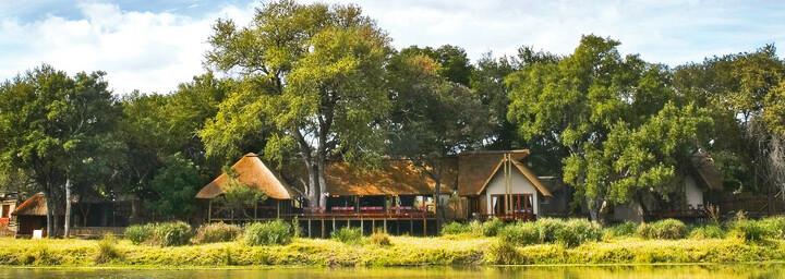 Simbavati River Lodge im Timbavati Private Nature Reserve
