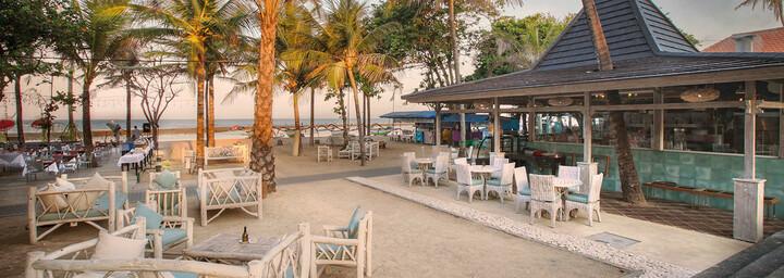 Strandbar des Segara Village
